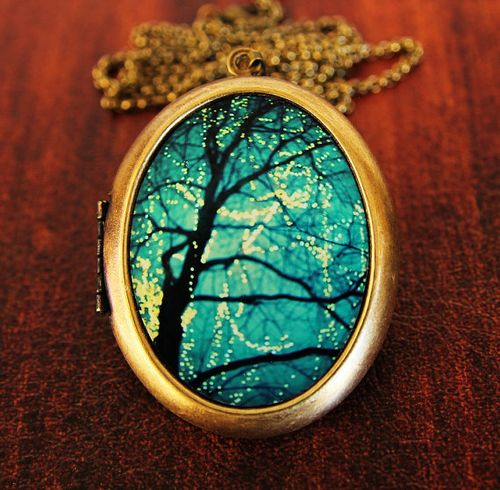Loris locket
